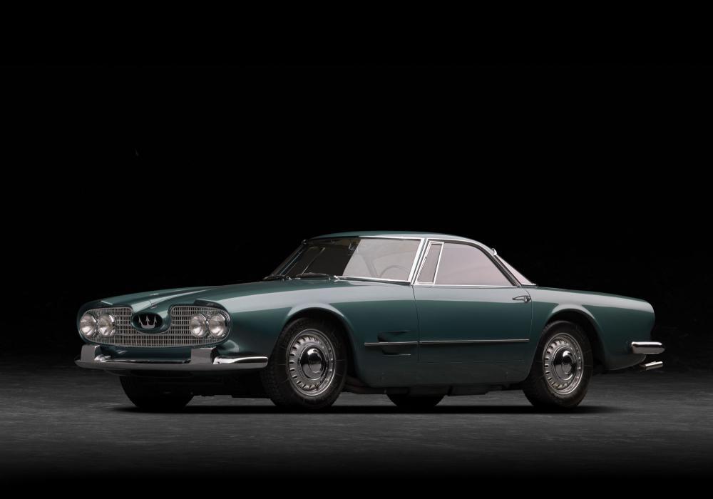 Maserati slaví 60. výročí uvedení kupé 5000 GT 2+2 na autosalonu v Turíně