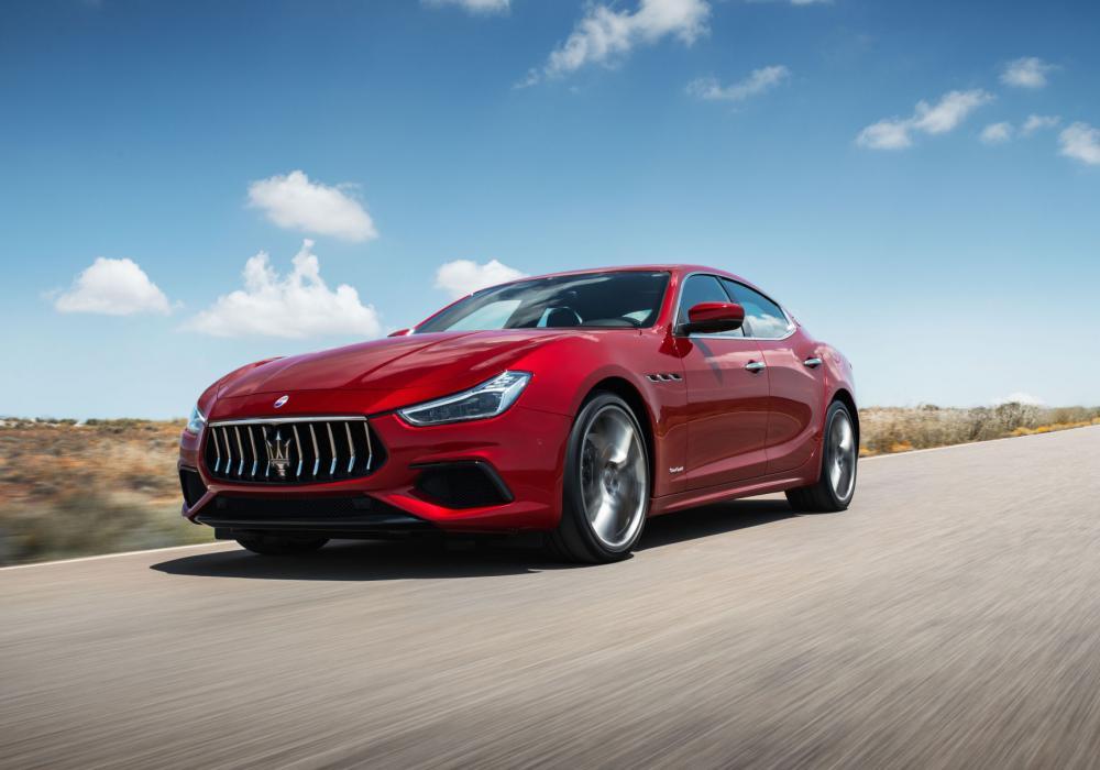 """Ocenění magazínu """"sport auto AWARD 2018"""" pro Maserati Ghibli Diesel"""