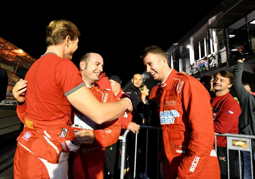 Team Scuderia Praha obhájila první místo ve 12h závodě na belgickém okruhu SPA