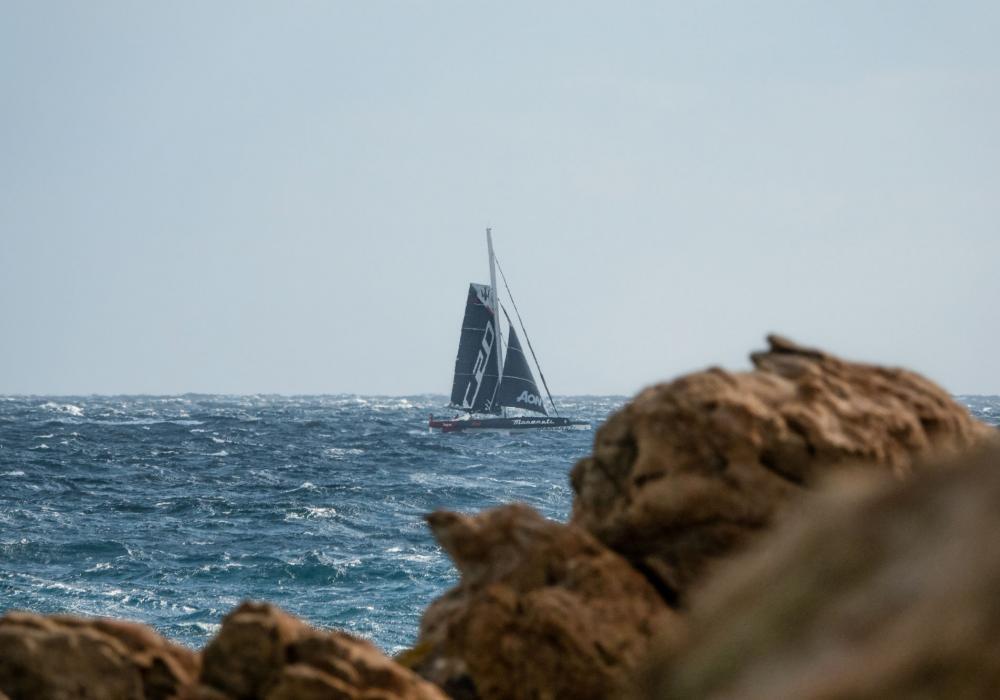 Maserati Multi 70 a Giovanni Soldini vytvořili nový rekord vícetrupé lodi z Monaca do Porto Cervo