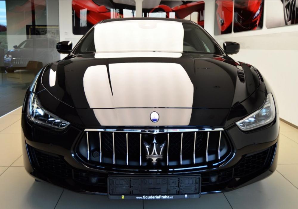Maserati Ghibli Diesel Limitovaná edice Ribelle - ZVÝHODNĚNÍ 370 000 KČ