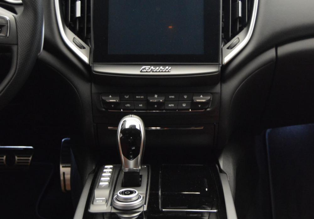 Maserati Ghibli Diesel GranSport MY18 - ZVÝHODNĚNÍ 580 000 Kč