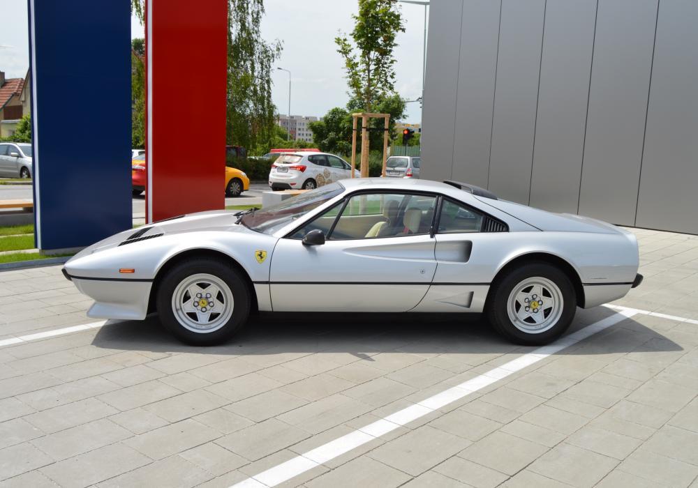 Ferrari 208 GTB Turbo