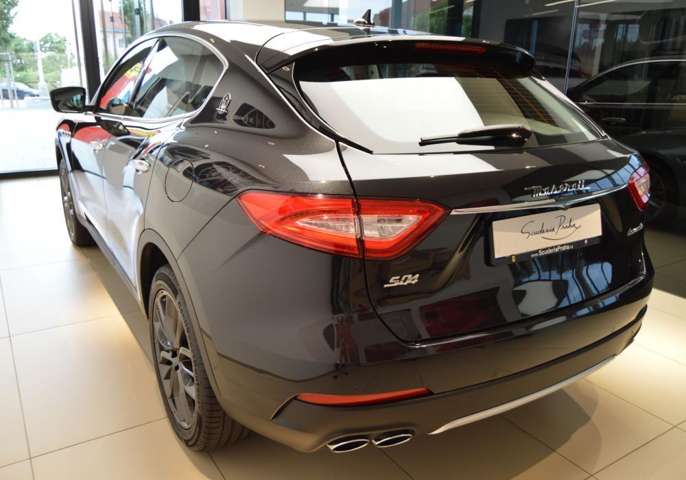 Maserati Levante S GranLusso- ZVÝHODNĚNÍ 505 000 KČ