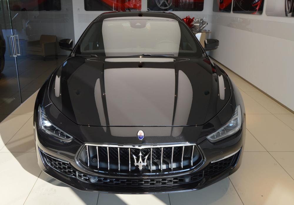 Maserati Ghibli GranLusso S Q4 MY18 - ZVÝHODNĚNÍ 340 000 KČ