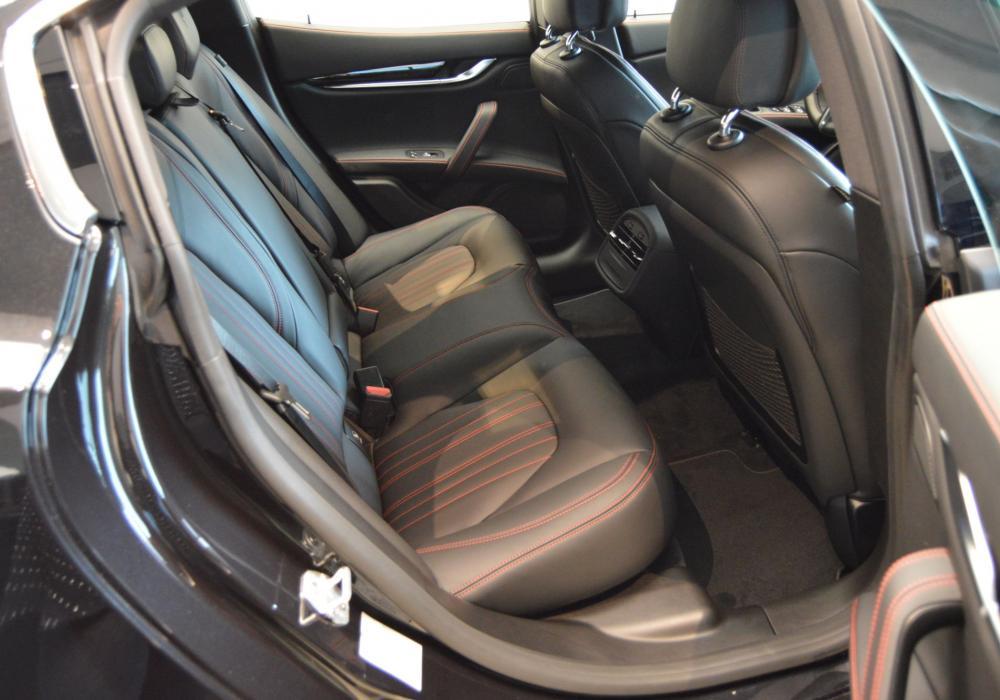 Maserati Ghibli S Q4 GranLusso - ZVÝHODNĚNÍ 477 000 KČ