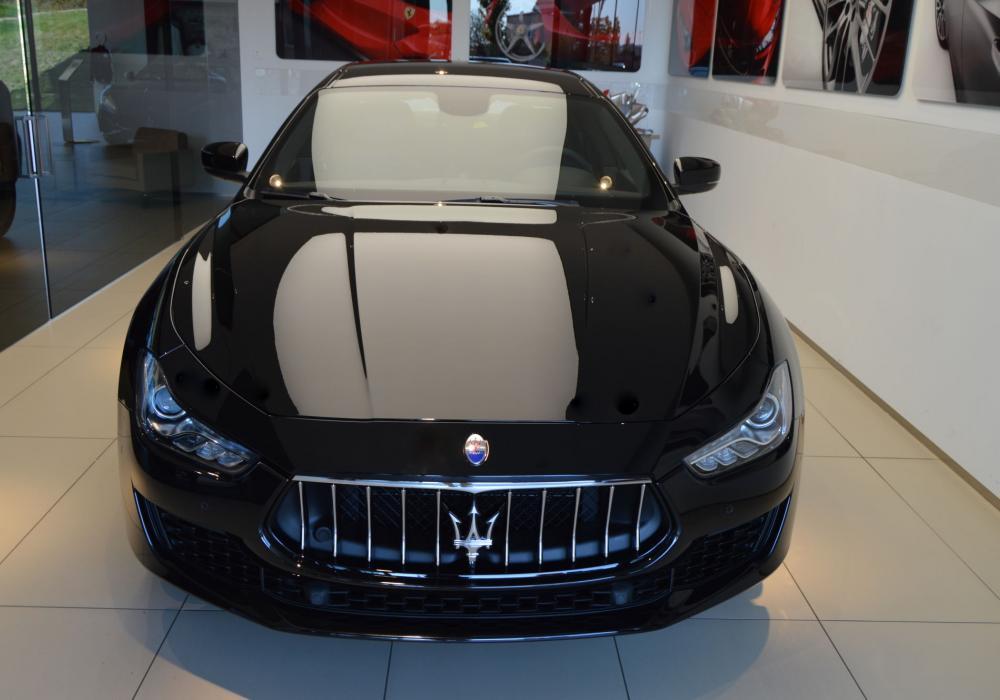 Maserati Ghibli Diesel - ZVÝHODNĚNÍ 150 000 KČ