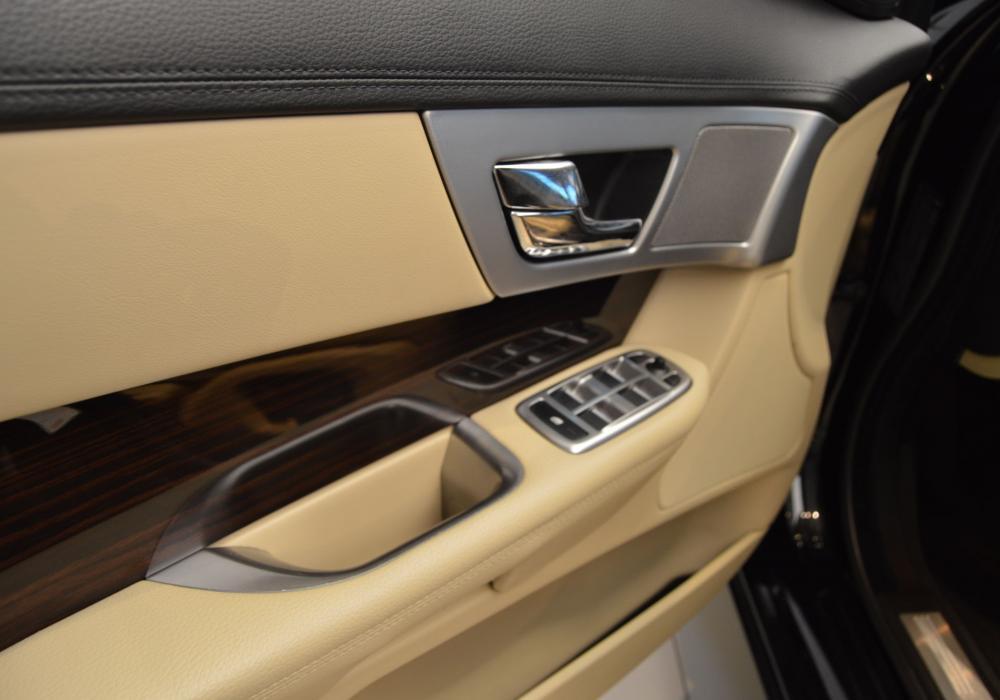 Jaguar  XF 2.2D Sportbrake