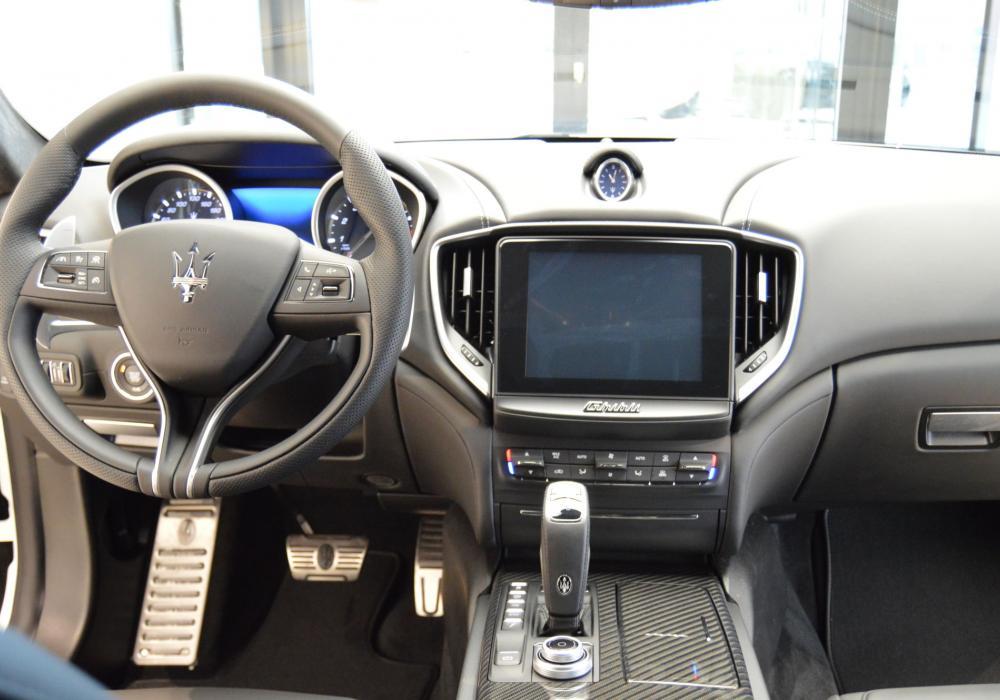 Maserati Ghibli S Q4 GranSport - ZVÝHODNĚNÍ 507 000 Kč