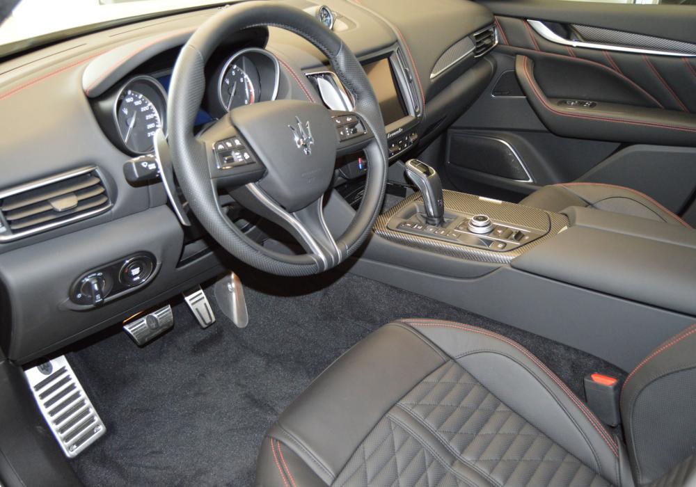 Maserati Levante S GranSport - ZVÝHODNĚNÍ  960 000 Kč
